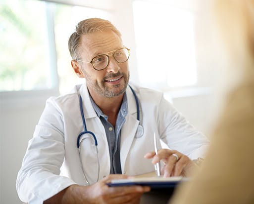 Img: Doctor with Clipboard